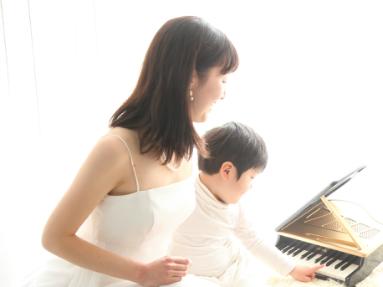 ママと赤ちゃんの音楽サロン